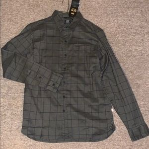Brand new SMALL Levi's flannel. Never worn